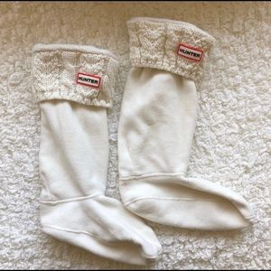 Hunter tall cream cable knit boot socks